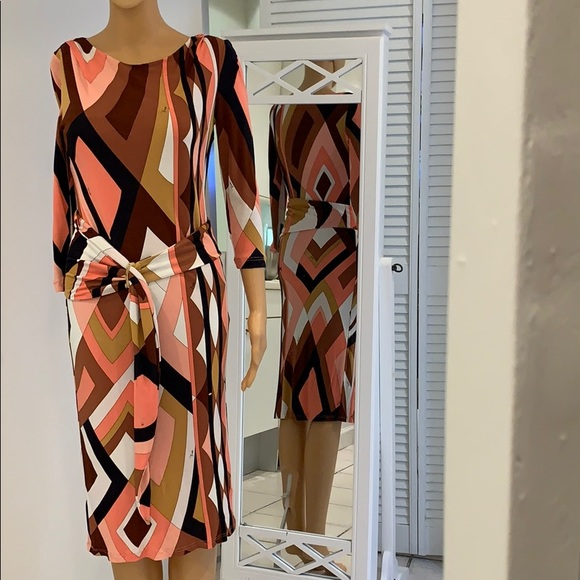 Emilio Pucci. Dresses & Skirts - Authentic Emilio Pucci fabulous Blouse up dress.